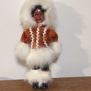 """Vintage doll Inuit eyes open and close 8"""" tall"""